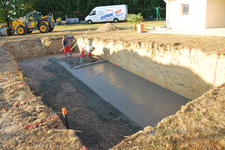 Etape construction piscine construire une piscine les 8 for Construction une piscine